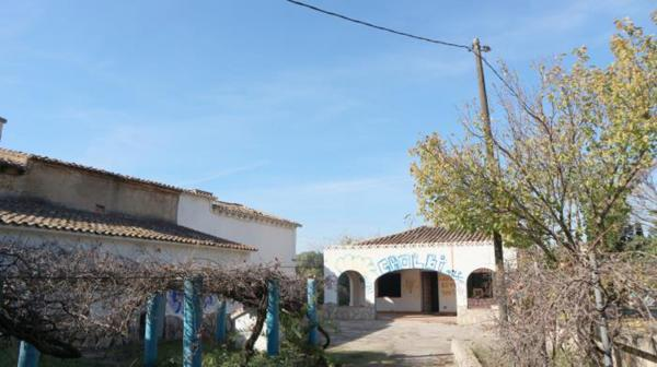 Photo number 1. Villa for sale  in Pedreguer. Ref.: SLH-5-36-14092
