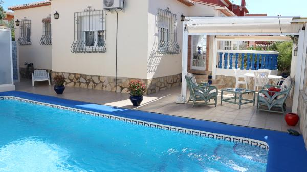 Photo number 1. Villa for sale  in Denia. Ref.: SLH-5-36-14279