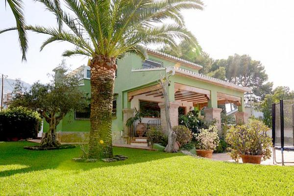Photo number 1. Villa for sale  in Denia. Ref.: SLH-5-36-14414