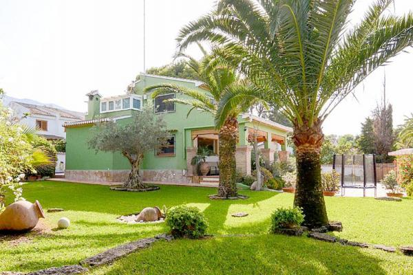 Photo number 3. Villa for sale  in Denia. Ref.: SLH-5-36-14414