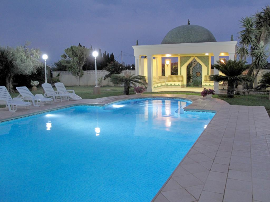 Photo number 1. Villa for sale  in Ondara. Ref.: SLH-5-36-14458