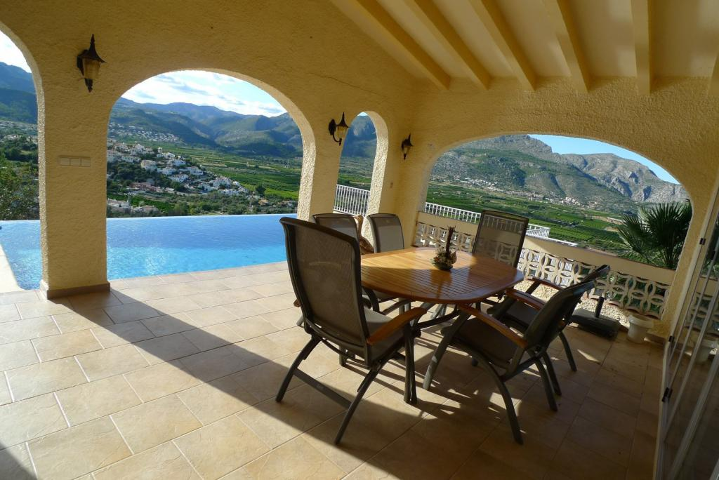 Photo number 6. Villa for sale  in Orba. Ref.: PRT-228949