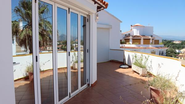 Photo number 19. Penthouse for sale  in Denia. Ref.: SLH-5-36-14738