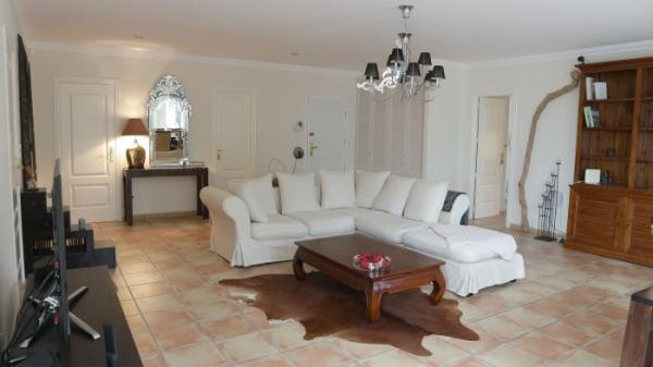 Photo number 3. Villa for sale  in Denia. Ref.: SLH-1-1-13989