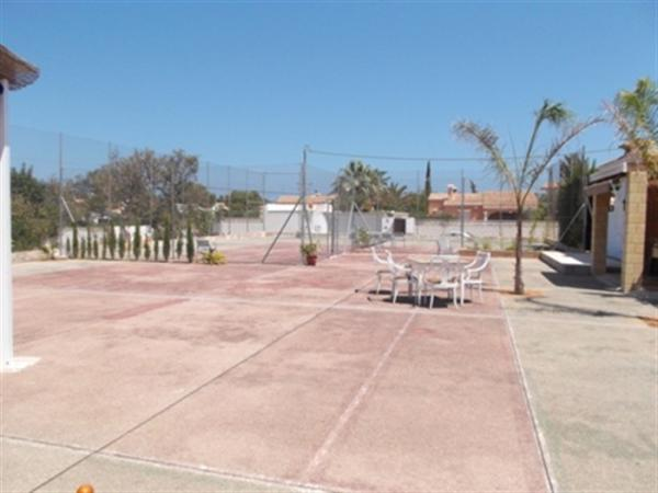Photo number 9. Business premises / Industrial outlet for sale  in Denia. Ref.: SLH-5-18-7399