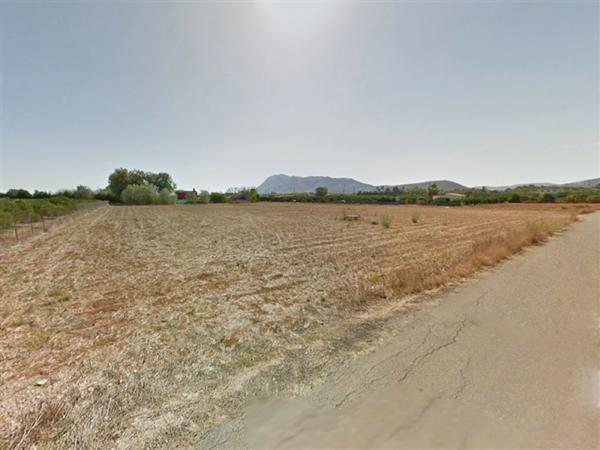 Photo number 1. Villa for sale  in Denia. Ref.: SLH-5-18-8102
