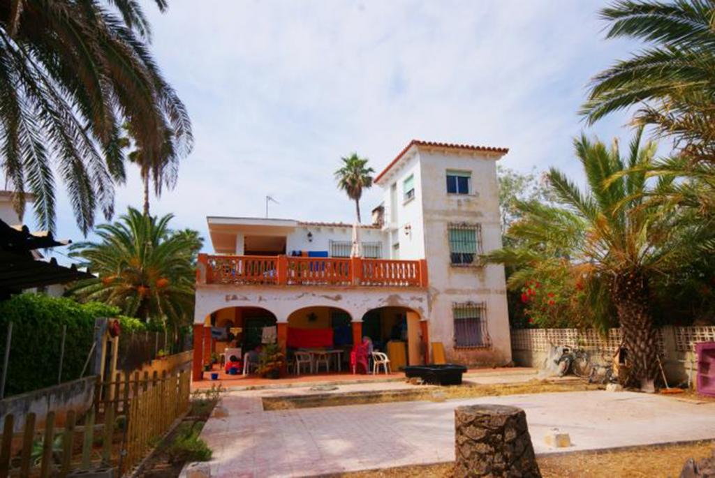 Photo number 1. Villa for sale  on the first beach line in Denia. Ref.: SLH-5-18-9364