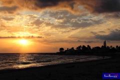 Sunrise en Almadraba Beach