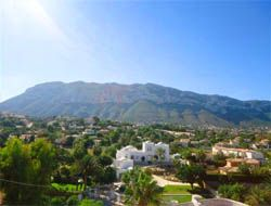 To live in Troyas (Denia)